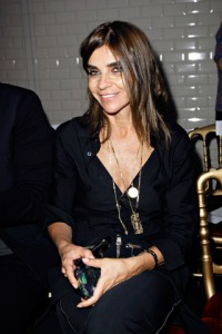 23_carine_roitfeld_paris_fashion_week_autumn_2011
